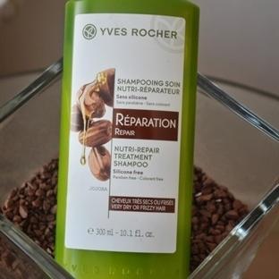 Yves Rocher Yıpranmış Saçlar İçin Onarıcı Şampuan