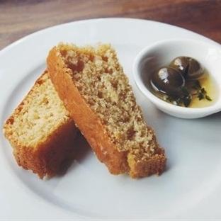 Zeytinyağlı Mısır Ekmeği