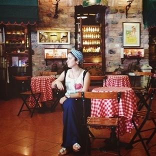 11 Vintage Coffee Shop