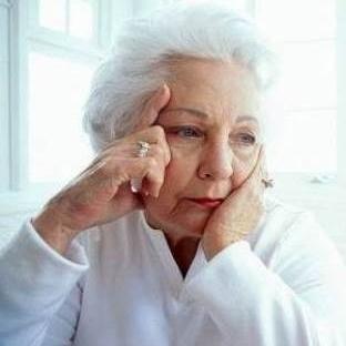 Alzheimer Hastalığı – Nedenleri, Belirtileri ve Te