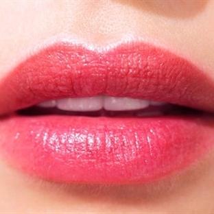 Daha Dolgun Dudaklar İçin 10 Makyaj Hilesi