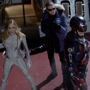 DC'nin Kahramanları Tek Dizide Birleşti