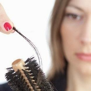 Kadınlar Saç Dökülmesi Sorununu Gizliyor