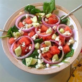 Karpuzlu Domates Salatası Tarifi