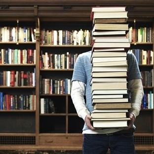 Kitap Kurdu Problemleri 8: Yanında kitap taşımak