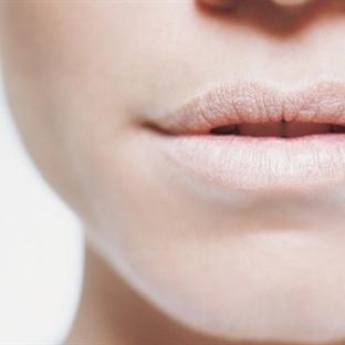 Kuruyan dudaklar için pratik çözümler