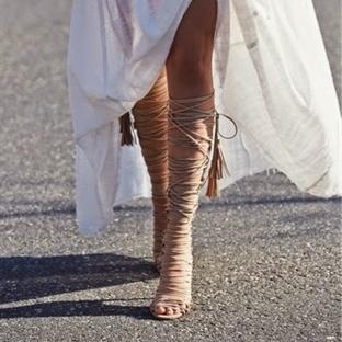 Lace-up Sandaletler Nasıl Giyilir?