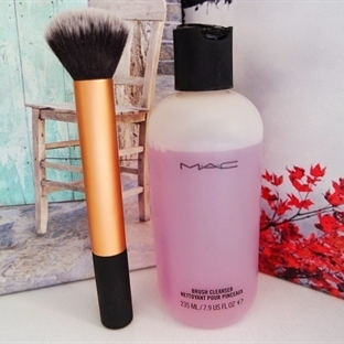 Mac Brush Cleanser / Fırça Temizleyici