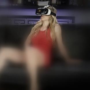 Oculus Rift Erotik Sanal Gerçekliği Yasaklamıyor!