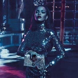 Rihanna, Dior ile cazibesini arttırıyor