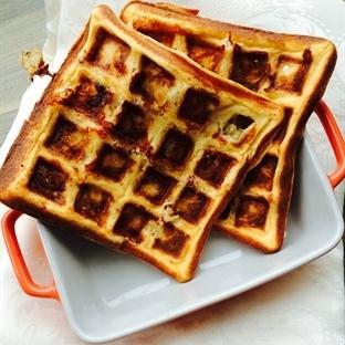 Sucuklu &Peynirli Unsuz Waffle