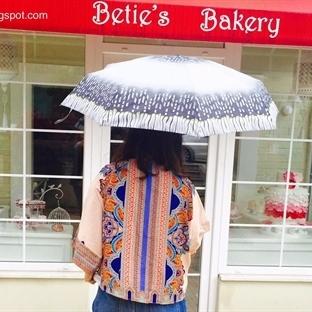 Yağmurlu Pazar (w/ Sheinside)