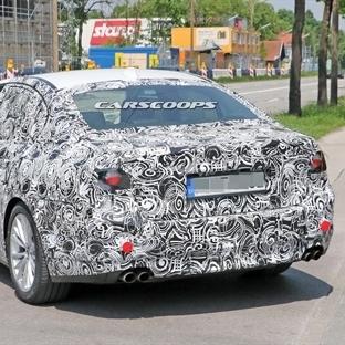 Yeni BMW M5 Test Sürüşü'nde Yakalandı!