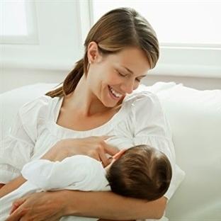 Bebeğin doğal ilacı anne sütü!