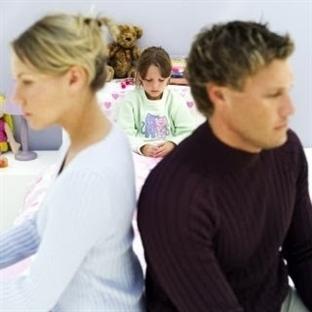 Boşanan anne baba çocukları da boşanıyor