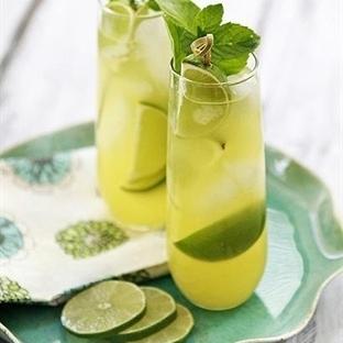 Evde Doğal Limonata Nasıl Yapılır?