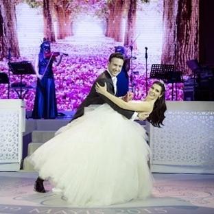 Hatice Şendil ve Burak Sağyaşar Evlendi !
