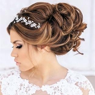 Kır düğünü gelin saçı modelleri