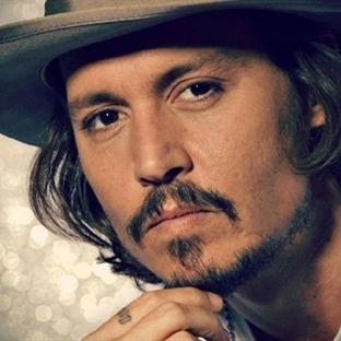 Oscarlı oyuncu Johnny Depp'ten bir ilk