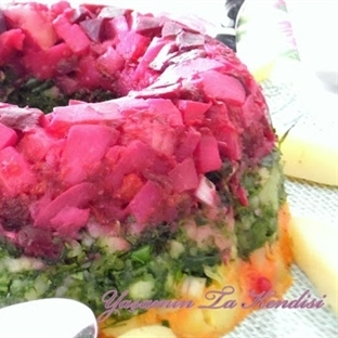 Üç Renkli Patates Salatası Tarifi