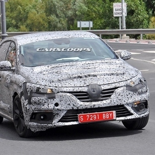 Yeni Renault Megane İspanya'da Yakalandı!