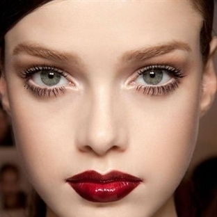 Yeşil Göz Makyajında Püf Noktalar