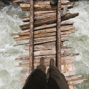 Bu Köprülerden Geçebilmek Büyük Bir Cesaret İster