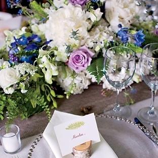 Düğün dekorasyonunda çiçek detayları
