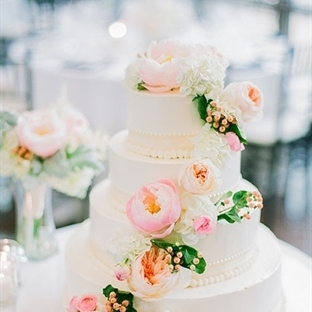 Düğün Pastalarında Çiçek Etkileri
