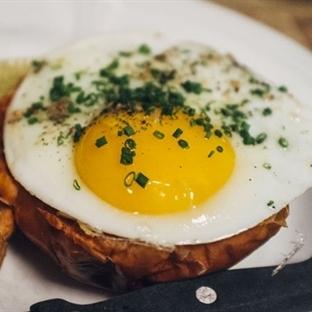 Fırında Salamlı Yumurta Tarifi