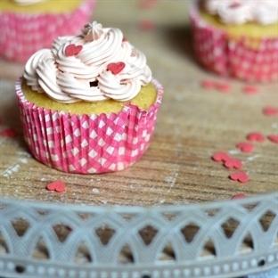 Lemon Cupcakes mit Himbeer-Buttercreme