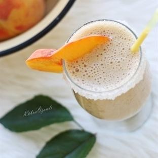 Muzlu-Şeftalili Milkshake Tarifi...