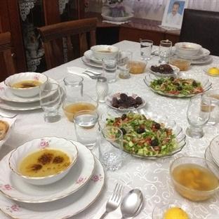 Nişanlım ve Ailesine İftar Yemeğindeyiz