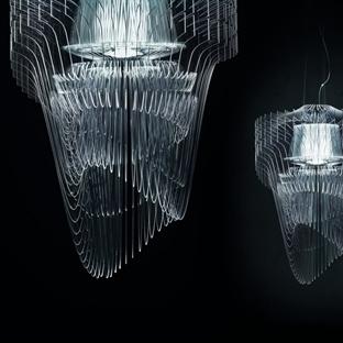 Zaha Hadid'den Aria Transparent Avize