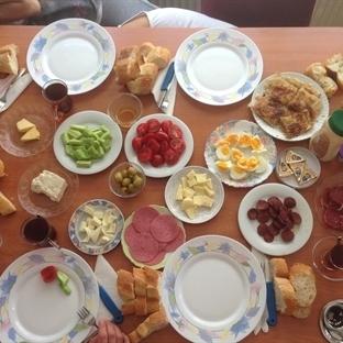 Anneanemde Kahvaltı ve Bowling