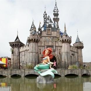 Banksy'nin Kasvetli Parkı: Dismaland