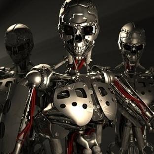 """Bilim İnsanlarından """"Katil Robot"""" Uyarısı!"""