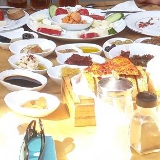 Cihangir'de Serpme Antakya Kahvaltısı