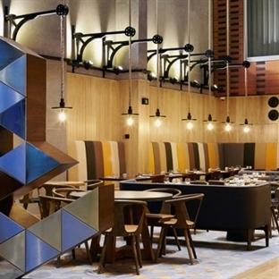 DeSallesFlint'ten Gdansk'da Puro Hotel Aydınlatma