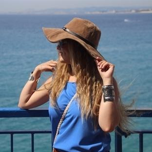 Fransa'da Bir Türk Kızı