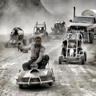 Mad Max'te GoKart ile Paintball Savaşı yapılırsa