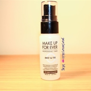 Make Up Forever Mist & Fix Sprey