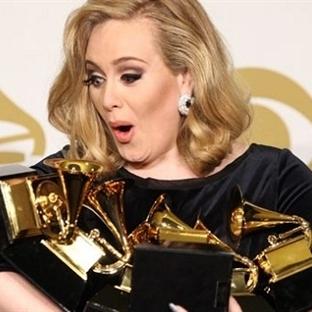 Ödül avcısı Adele yeni albümle dönüyor