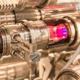 Protonun Antimadde Eşi Antiprotonun Ayna Görüntüsü