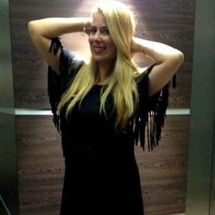 Püsküllü Siyah Elbise