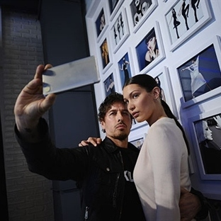 Samsung Moda Dünyasında Boy Gösterdi