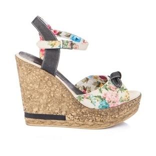 Şık Dolgu Topuklu Ayakkabılar