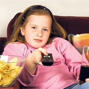 Televizyon Çocukları Obez Yapıyor!