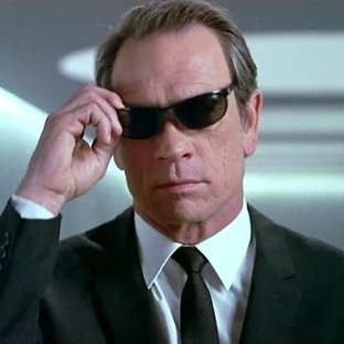 Tommy Lee Jones, Bourne Ekibine Katıldı
