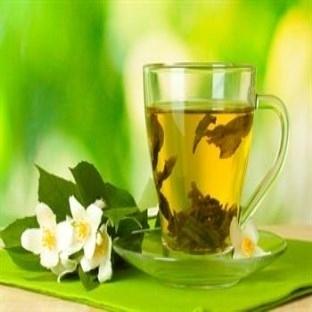 Yeşil Çay ile göğüs sıklaştırın
